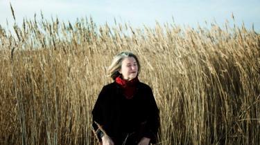 Jeg vil sige som anarkisten Emma Goldman: Det er ikke et spørgsmål om brød eller roser. Det et spørgsmål om brød og roser. Man bliver nødt til også at se på, hvordan et bedre liv kunne tage sig ud. Man bliver nødt til at formulere visioner for et liv, der er sjovere, friere og mere meningsfuldt, siger Nancy Fraser.