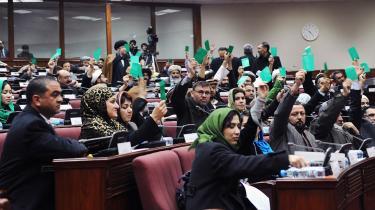 Valget til Afghanistans parlament (billedet) er blevet udskudt i fire måneder og kan nu først gennemføres den 18. september.