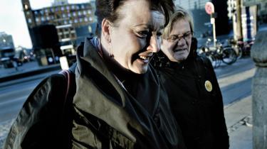 En grådkvalt Tine Aurvig-Huggenberger forklarede mandag i retten, at LO's sekretariatschef Finn Larsen i 2007 havde afvist, at hun havde krav på en pension på to tredjedele af sin næstformandsløn, fordi hun var gået af som 44-årig efter at have tabt formandsopgøret til Harald Børsting.