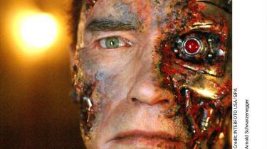 Forestillingen om maskiner, der er designet til at  træffe egne drabsbeslutninger, minder mest om en gammel sci-fi-fantasi: Man ser for sig en mekanisk Arnold Schwarzenegger, der skyder en lastbil i totalsmadder og fremmumler 'Hasta la vista, baby'. Men det er ikke kun en forestilling: Dræberrobotterne er her