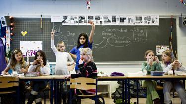 Omkring hver femte elev på Holbergskolen i København har anden etnisk baggrund end dansk. For få år siden var der ganske få. Denne udvikling har fået skolen til at tage nogle tiltag for at byde den nye gruppe velkommen - heriblandt det meget omdiskuterede kaffemøde for mødre.   arkiv
