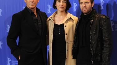 Pierce Brosnan, Olivia Williams og  Ewan McGregor, spiller med i den kontroversielle instruktør Roman Polanskis nye film' The Ghost Writer'. Polanski selv kan ikke deltage i berlinalen, da han sidder i husarrest i Schweiz.