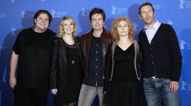 Instruktør Thomas Vinterberg i spotlyset på Berlinalen sammen med skuespillere fra filmen 'Submarino', der er med i filmfestivalens hovedkonkurrence. Filmmagasinet Screen har givet Vinterbergs film fire stjerner - det er den første film i konkurrencen, der får topkarakteren af magasinet.