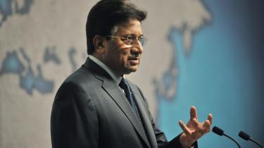 »Jeg vil blive nødt til at gå gennem en valgproces,« sagde Pakistans tidligere præsident Musharraf i går og antydede dermed et comeback.