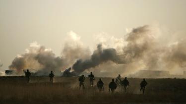 De 15.000 soldater fra USA, NATO og den afghanske regeringshær møder betydelig modstand flere steder i Helmand-provinsen.