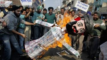 Pakistanere protesterer mod Taleban, og det lader også til, at det pakistanske militær er blevet venligere indstillet over for det amerikanske ønske om en hårdere kurs mod Taleban.