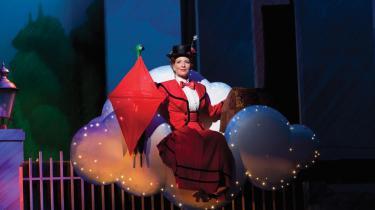 Charlotte Guldberg er vidunderlig i sin fortolkning af Mary Poppins på Det Ny Teater.