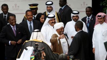 Med en fredsaftale med Darfurs JEM-oprørere, har Sudans præsident Omar al-Bashir skaffet sig fred med endnu en modstander. Men spørgsmålet er, om en varig fred i Darfur er kommet tættere på, eller Bashir blot vil have albuerum forud for valget til april