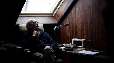 Fotografisk nøjagtighed gør ikke en tekst troværdig, og et plot kan ikke redde en dårlig bog, mener forfatteren Bent Vinn Nielsen. Han skriver alle sine bøger i hånden, og når hans skrift begynder at blive læselig, så ved han, at han er ved at have fat  i den lange ende. Han er aktuel med en ny roman om en gammel despot på plejehjem
