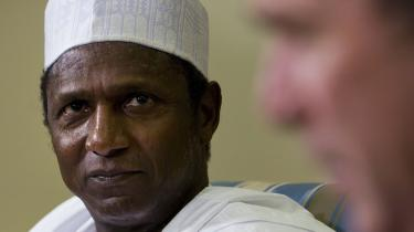 Præsident Yar'Adua er stadig syg får til at lede Nigeria igennem en række alvorlige kriser - hans hjemkomst synes beregnet   på at styrke hans inderkreds over for vicepræsidenten