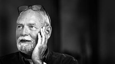 Alt var lagt til rette, så Jørgen Flindt Pedersen, i morgen 70 år, kunne få en strålende karriere i Socialdemokratiet, men journalistikken tog ham