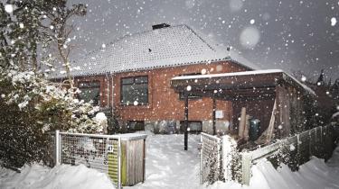 Trods Lyngby-Taarbæk Kommunes status som klimakommune må en husejer ikke få solfangere på sit hus, fordi de ifølge kommunen ikke passer ind i husets arkitektur.