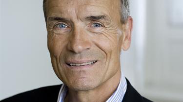 Helge Adam Møller (K) mener, det er spild af potentielt nye arbejdspladser, hvis Folketinget ikke med det samme beslutter, hvilke nye kampfly, der skal indkøbes.