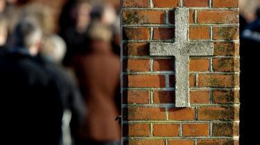 'Hvis religion er en slags metafysik, hvilket netop er religionskritikkens hovedanke, så er selv den sekulære stat religiøst funderet - bare i noget andet end kristendom,' mener dagens kronikør.