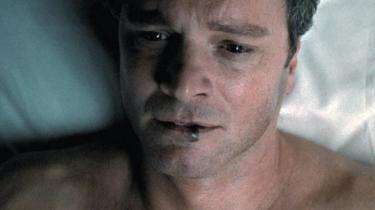 Modedesigneren Tom Fords spillefilmdebut 'A Single Man' er en smuk og sanselig skildring af en sørgende mands søgen efter meningen med at holde sig i live