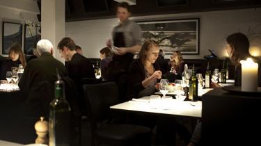 The Food. Stedet fungerer både som restaurant og take away. Prisniveauet er fornuftigt, og køkkenet har en kvalitetssikker hånd.