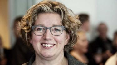 Den nye videnskabsminister, Charlotte Sahl-Madsen (K), vil ikke gå videre med sin forgængers idé om at indføre private universiteter i Danmark. Dermed varsler  hun en ny kurs på universitetsområdet – til stor glæde for oppositionen
