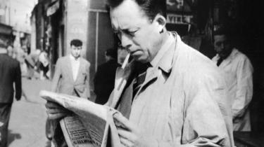 Camus. Den voldsomme interesse skyldes ikke mindst, at franskmændene de senere år har genopdaget Camus som moderne forfatter, og som en filosof, der hjælper os til at forstå og acceptere det komplekse samfund, vi lever i, lyder vurderingen fra eksperterne.