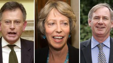 De tre tidligere ministre Stephen Byers, Patricia Hewitt og Geoff Hoon gik alle i fælden, da en journalist i rollen som repræsentant for et fiktivt amerikansk lobbyfirma tilbød at betale dem for at bruge deres position til at øve indflydelse på regeringen.
