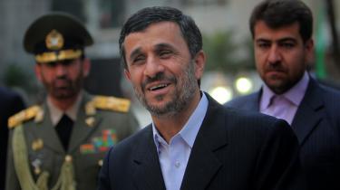Den iranske præsident Mahmoud Ahmadinejad mener, at Vestens bekymring for Irans atomprogram er overdrevet og unødvendig. og han nægter at lade sig intimidere af  trusler om sanktioner.