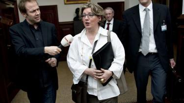 Videnskabsminister Charlotte Sahl-Madsen vil undersøge Novos indtog på KU uden om stillingsopslagene. Universitets uafhængighed er det vigtigste, påpeger hun