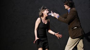 Corinna Harfouch og Alexander Khuon i 'Mågen'.