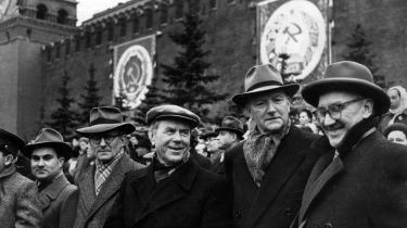 Aksel Larsen i Moskva til 40 års jubilæumskongres i 1957.