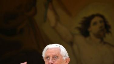En retssag mod Benedikt XVI vil være en monumental manifestation af, at princippet om lighed for loven virkelig gælder for alle - netop derfor modarbejder magtfulde kræfter dette og lignende initiativer, skriver George Monbiot