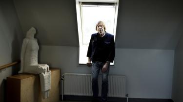 Psykiater Søren Juul-Nielsen fik - som Information skrev i går - vraget sin lægeerklæring, fordi han svarede på en henvendelse fra en journalist, der spurgte til asylansøgers sag. Det har affødt kritik fra flere sider.