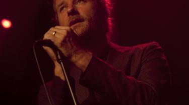 Matt Berninger, der besidder en af den aktuelle rockmusiks mest dragende stemmer, optrådte sidste år sammen med resten af The National i Tivolis Koncertsal. Om et par måneder kan gruppen opleves på Roskilde Festival.
