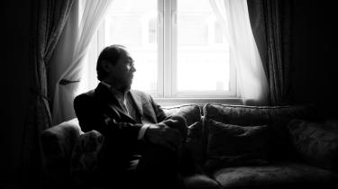 Den amerikanske professor og filosof, Francis Fukuyama, mener, at vi om føje år får adgang til genteknologiske og neurofarmakologiske teknologier, der kan gøre os i stand til at manipulere med den menneskelige adfærd. En udvikling, som Fukuyama betragter som en potentiel trussel, da selv de mest velmenende forsøg på at perfektionere menneskets nedarvede egenskaber med bioteknologiske midler kan føre til forlis.
