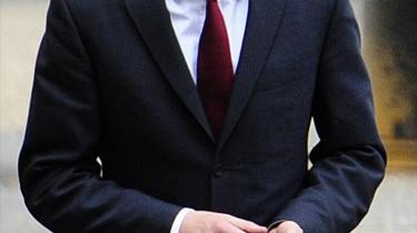 Udenrigsminister David Miliband er bookmakernes favorit til at overtage formandsposten i Labour-partiet.
