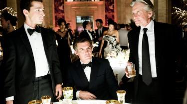 Oliver Stone har udtalt, at han troede, at det økonomiske system og de finansielle strukturer, som han tog under behandling i 1987 i 'Wall Street', ville regulere sig selv. Men det skete ikke, og derfor indvilgede den amerikanske filminstruktør i endnu engang at kaste et kritisk blik på den amerikanske finansverden.