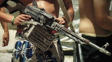 Dokumentar. Armadillo er ikke en protest mod krigen, ifølge filmfotografen Lars Skree. Filmen er snarere et forsøg på at få flyttet debatten om Danmarks indsats i Afghanistan fra udelukkende at dreje sig om de danske Jens'er til også at handle om, hvordan den afghanske befolkning ser på situationen.