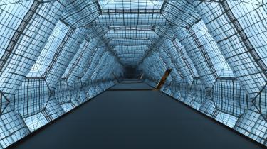 Olafur Eliassons brag af en udstilling i Berlin devaluerer potentielt oplevelsen med sit pertentlige fokus på sanserne