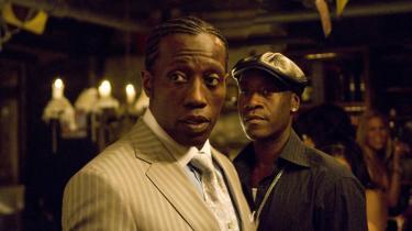 Der er ingen glasur på den ildelugtende historie i 'Brooklyn's FInest', og det må respekteres. Men manuskriptet smører elendigheden for tykt på og ender i melodrama