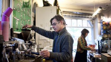 Som kioskejer har man aldrig fri, fortæller Keld Pedersen. Hele hans familie står bag disken i hans kiosk på Vesterbro