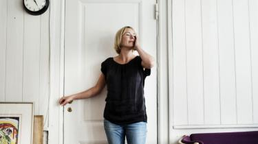 Den norske forfatter Trude Marsteins nye roman 'Intet at fortryde' er spækket med detaljer om hovedpersonernes tanker og holdninger - især til hinanden.