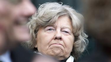 Birthe Rønn undrede sig først over, at direktøren for Nordisk Råd 'blander sig i dansk politik', efter at han havde påpeget en fejl i indfødsretsprøven. Nu ændrer hun prøven.