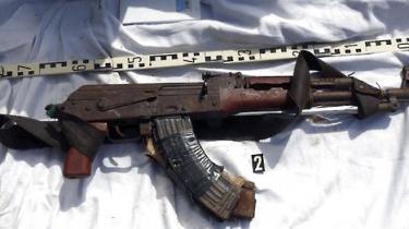 En række lande står på det nærmeste i kø for at levere våben til Somalias stridende parter, fortæller en våbenhandler