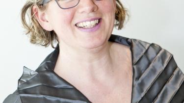 En protest er på vej til videnskabsminister Charlotte Sahl Madsen (K) over, at DPU fyrer to medarbejdere med henvisning til, at deres forskning ikke er relevant.