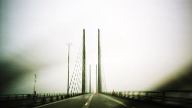 Trafikpolitik. Tidligere trafikminister og broforkæmper Kaj Ikast er stolt af Øresundsbroen. Imens Margrete Auken (SF) mener, at broen er et resultat af en trafikpolitik uden ambitioner.