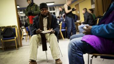 Et voksende antal udenlandske hjemløse søger til København. Løsningen på problemet er ikke at gøre Danmark så utiltalende for udefrakommende som muligt, men derimod etablere et sæt minimumsstandarder for, hvad EU-lande skal gøre for hjemløse, mener københavnske gademedarbejdere. På billeder har udenlandske hjemløse søgt i ly for sidste vinters kulde i Kristus Kirke på Nørrebro   Arkiv
