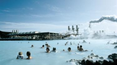 Islands Blå Lagune med geotermisk kraftværk. Det kan også ske i København.
