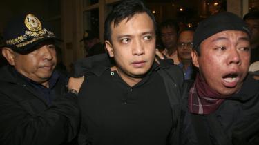 Den filippinske officer og senator Antonio Trillanes (i midten) blev fængslet i november 2007 på anklager om statskup og mytteri. Han mener, at der kun vil ske moderate forandringer til det bedre under den nye Aquino-regering.