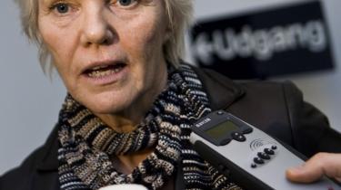 Det er ikke nemt at være minister i magtens periferi, hvad både Karen Jespersen (billedet) og Birthe Rønn Hornbech har måttet sande. Mens den ene er færdig, har den anden snart nået bunden.