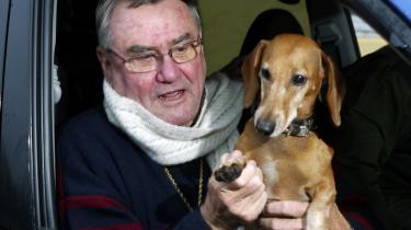 Prins Henriks hund, Evita, har igen bidt en garder.