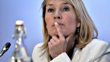 Udenrigsminister Lene Espersen er i en stime af kritik. Tirsdag i sidste uge gik hun glip af et møde med 60 kolleger i Kabul i Afghanistan, da hendes fly ikke kunne lande.