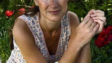 Forfatteren og retorikeren Signe Wenneberg har skrevet en positiv guide til selvhjælp efter en skilsmisse. Hun har selv to ægteskaber bag sig. Nogen vil nok synes, bogen er for glad i låget.