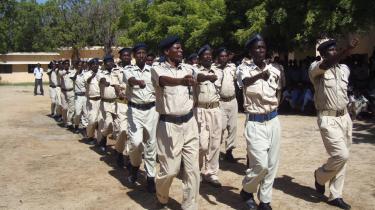 Den tyske regering har finansieret uddannelse af somaliske betjente - en uddannelse der foregår i Etiopien. Netop dette valg af location er ifølge eksperter mindre heldigt på grund af det stærke fjendskab mellem de to stater. Nu er tusind nyuddannede somaliske betjente forsvundet, og frygtes at være gået over på de islamiske oprøreres side.